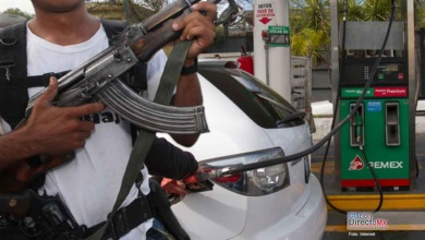 Photo of Prohíbe narco en Nuevo Laredo vender gasolina a Guardia Nacional