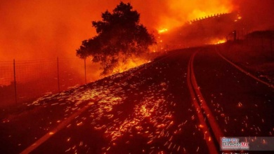 Photo of El Kincade Fire el incendio forestal activo e incontenible en California