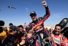 Photo of Carlos Sainz gana el Dakar 2020